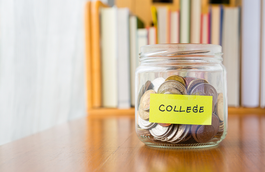 Getting Schooled: Money Management 101 for College Kids - BluntMoms.com